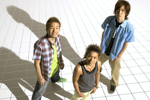 http://img.karaoke-lyrics.net/img/artists/30473/home-made-kazoku-89664.jpg