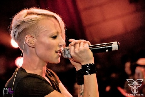 Emma Hewitt photo