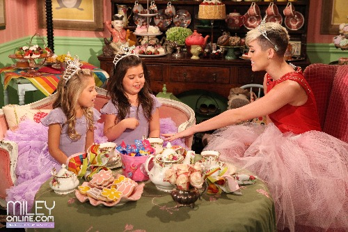 Tea Time w/ Sophia Grace & Rosie & Miley Cyrus