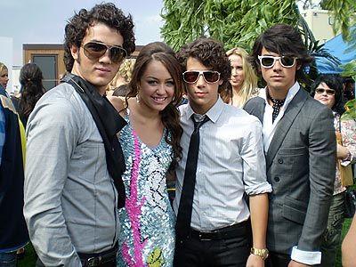 s Jonas brothers..