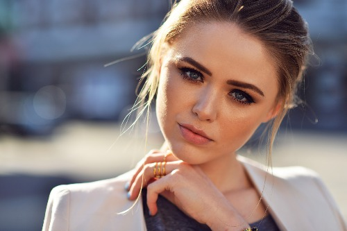 Bloggerka/zpěvačka Kristina Bazan