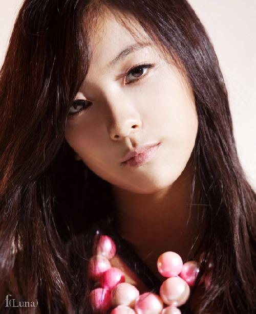 Luna (Park Sun-young)