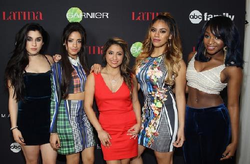 V původním složení Fifth Harmony. Zleva: Lauren Jauregui, Camila Cabello, Ally Brooke, Dinah Jane, Normani Kordei.